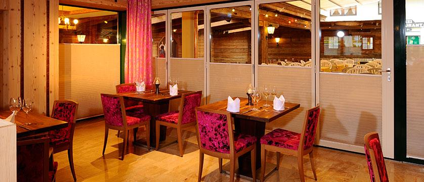 Austria_Mayrhofen_Hotel-Rose_Dining-room.jpg